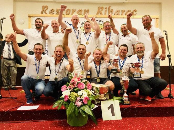 photo équipe de france championne du monde pêche